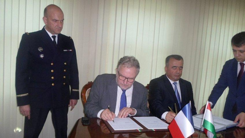 Подписание соглашения о строительстве нового КДП на аэродроме Душанбе